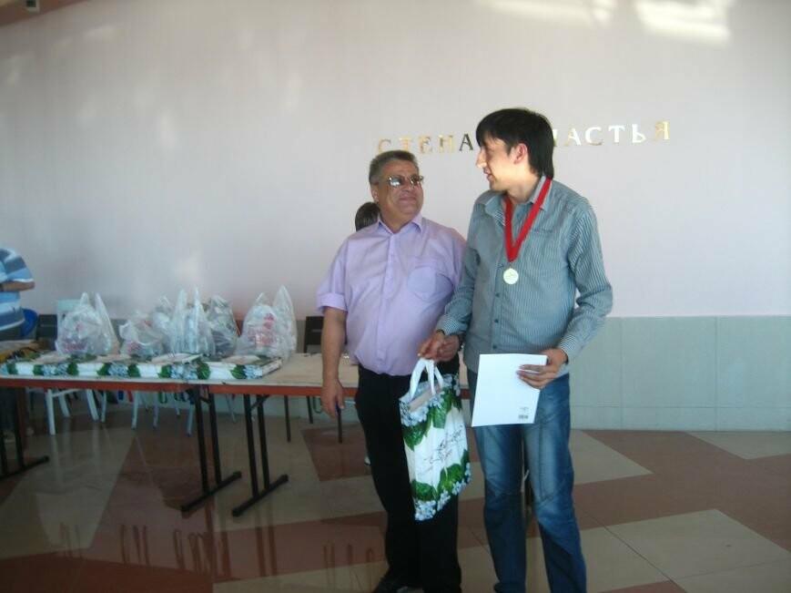 эмиль галиев с чемпионской медалью