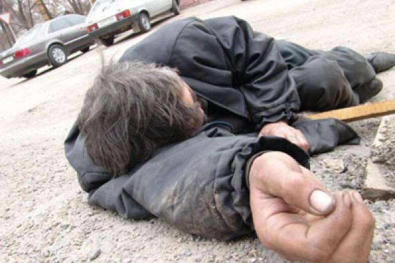 В Пено водитель переехал пьяного на дороге