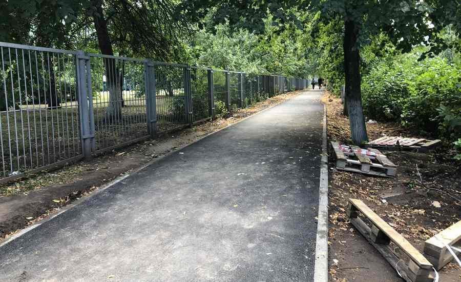 Капитальное благоустройство пяти дворовых территорий завершили в Ульяновске, фото-1