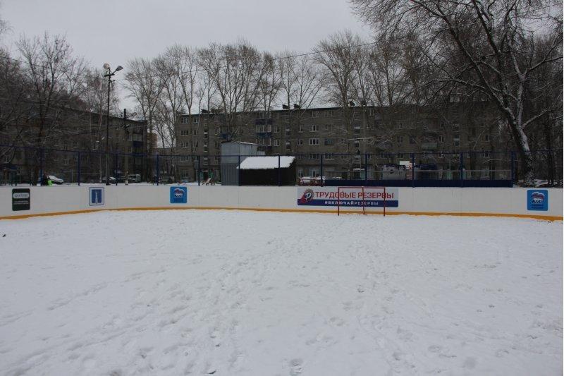 Вчера в Ульяновске на 31 хоккейной площадке произвели заливку, фото-1