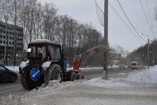 В Ульяновске убирали снег ночью 97 машин, фото-1