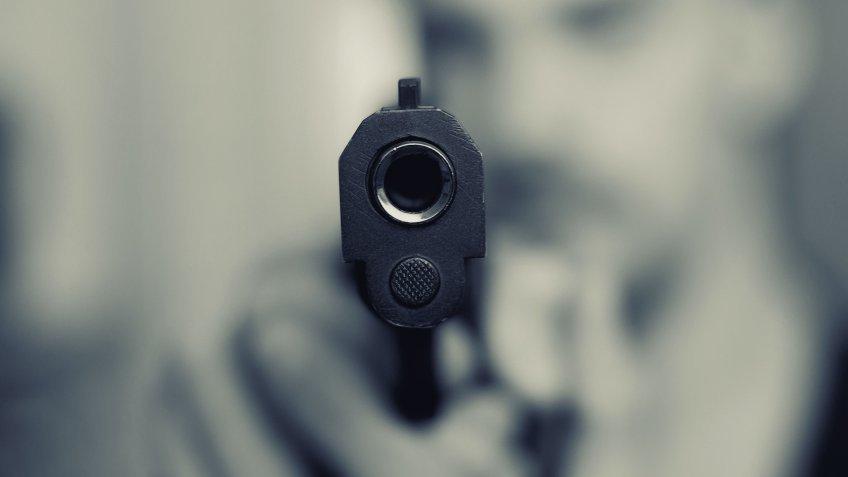 Выстрелил в неприятеля из «травмата» житель Ульяновска, фото-1