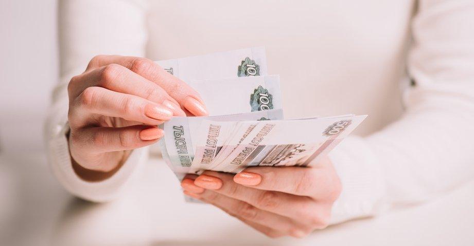 В России досрочно начнутся выплаты на школьников, фото-1